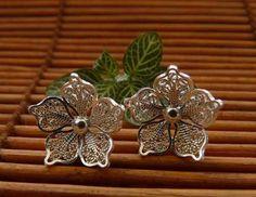 http://articulo.mercadolibre.com.co/MCO-414336958-aretes-en-filigrana-momposina-_JM