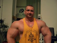 getnbiggrto:  Thick and beefy