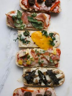 Fancy-Ass French Bread Pizzas - A Cozy Kitchen Kale Pizza, Arugula Pizza, Pizza Pizza, Pizza Recipes, Cooking Recipes, Peppers Pizza, French Bread Pizza, Pizza Ingredients, Pot Pasta