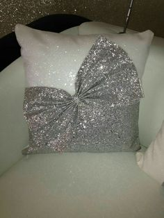 very sparkly Snow White & silver glitter cushion bow cushion . very sparkly Bed Cover Design, Cushion Cover Designs, Pillow Design, Tie Pillows, Sewing Pillows, Burlap Pillows, Ribbon Embroidery, Embroidery Designs, Homemade Pillows