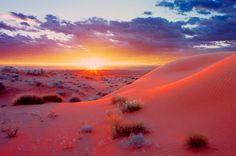 Top 10 of the most beautiful deserts / Топ-10 самых красивых пустынь     Красота определенного места не ограничивается числом туристов, которых его посещают. Несмотря на наличие резкой окружающей среды, в пустынях есть уникальная красота, которую невозможно найти больше нигде в мире. В этой подборке представлен список 10 самых красивых пустынь в мире.