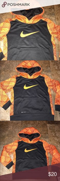 Nike boys hoody sweatshirt NWT 3T New with tags boys Nike hooded sweatshirt size 3T 10% off on ANY two items purchased AND shipped together.  15% off ANY three items purchased AND shipped together! Nike Shirts & Tops Sweatshirts & Hoodies