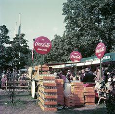 Hgin_olympialaiset_1952_virallinen_kisajuoma_Hesperian_puisto_Hgin_kaupunginmuseo_Olymia-kuva_Oy