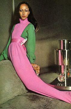 Vintage photo of model Pat Cleveland in pink and green AKA 1908 Fashion Images, 70s Fashion, Fashion History, Fashion Models, Vintage Fashion, Fashion Tips, Timeless Fashion, Seventies Fashion, Catwalk Fashion