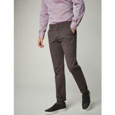<ul> <li>Modern Fit</li> <li>schmal im Oberschenkel, schlankes Bein</li> <li>kerniges Stretch-Material, extrem hohe Belastbarkeit </li> <li>französische Taschen</li><li>Fußweite: 39 cm</li> </ul>