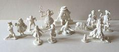 12 RARE UNUSUAL VINTAGE NURSERY RHYME PLASTIC FIGURINES / CAKE DECORATIONS Marx