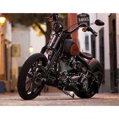 @aftercycles Custom Softail with @heartlandbiker Bobber Conversion! #aftercycles #heartlandbiker ...