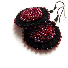 Ruby+night+black+felt+earrings+with+red+bead+by+VesztlFanni