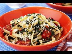 Get inspired with this authentic, flavorful Wish-Bone® recipe: Fettuccine with Italian Spinach & Cheese Spinach Pasta, Spinach And Cheese, Pasta Dishes, Food Dishes, Main Dishes, Italian Dishes, Fabulous Foods, One Pot Meals, Kid Friendly Meals