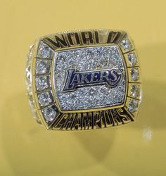 it's all about the rings! Nba Championship Rings, Nba Championships, Nba Rings, Lebron James Wallpapers, Nike Inspiration, Lakers Kobe Bryant, Nba Los Angeles, I Love La, Football And Basketball