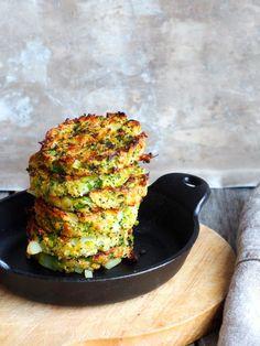 Brokkolikroketter (brokkoliburgere) for Karen - Mat På Bordet Hamburgers, Zucchini, Norwegian Food, Norwegian Recipes, Vegetarian Recipes, Healthy Recipes, Healthy Food, Vegetable Dishes, Avocado Toast