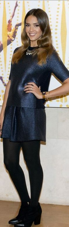 Who made  Jessica Alba's short sleeve top, skirt, and black ankle boots that she wore in Dallas on October 10, 2014