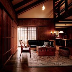 ジャパネスクハウス 程々の家のご紹介。何事も程々が一番だと思わせる家。西洋に走る過ぎることもなく、日本の伝統に凝りすぎることもない。造り過ぎず、飾り過ぎず。ログハウス・木の家のBESSです。 Japanese Style House, Japanese Modern, Japanese Interior, Japanese Architecture, Interior Architecture, Interior And Exterior, Interior Design, Antique House, House Extensions