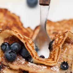 Vegane Blaubeer Pfannkuchen einfach & schnell zubereitet. Probiere unsere super leckeren Blaubeer Pfannkuchen. Jetzt losbacken & genießen!