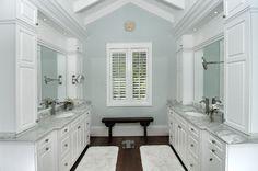 Coastal Bathroom - Raymond Design Studios - Naples, Florida