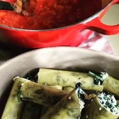 Cannelloni in the ma Thanksgiving Recipes, Holiday Recipes, Party Recipes, Frugal Meals, Kids Meals, Good Food, Yummy Food, Fun Food, Clean Eating Recipes