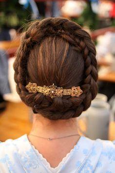 Flechtzopf,  dirndl hairstyle ................................................