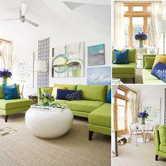 Свежий интерьер гостиной: зеленый с голубым