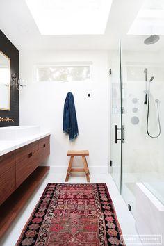 LOVE: White, wood, oriental rug Amber-Interiors-Client-Freakin-Fabulous-Neustadt-30.jpg 800×1,200 pixels
