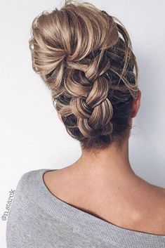 When you think about elegant, formal hairstyle probably first thing comes to your mind is updo styles especially if you have long hair. Updo styles are the. Long Face Hairstyles, Teen Hairstyles, Summer Hairstyles, Braided Hairstyles, Wedding Hairstyles, Updo Hairstyle, Black Hairstyles, Braided Updo, Quinceanera Hairstyles