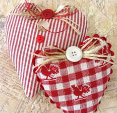 Homey fabric hearts tied with a raffia bow. Valentine Heart, Valentine Crafts, Valentines Day, Christmas Crafts, Christmas Ornaments, Easter Crafts, Craft Projects, Sewing Projects, Diy And Crafts