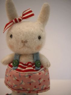 Darling felted bunny by jenndocherty