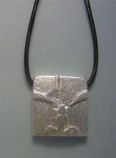 talismanes amuletos y símbolos | colgante sello maya mono Kin Chuen