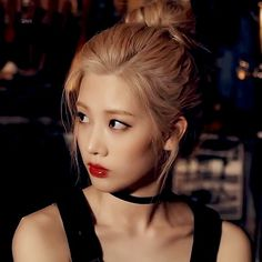 Find images and videos about kpop, korean and loona on We Heart It - the app to get lost in what you love. South Korean Girls, Korean Girl Groups, K Pop, Your Girl, My Girl, Loona Kim Lip, Kim Jung, Olivia Hye, Thing 1