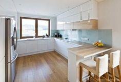 59 fresh different ways to paint kitchen cabinets 12 Open Plan Kitchen Living Room, Kitchen Room Design, Modern Kitchen Design, Home Decor Kitchen, Interior Design Kitchen, New Kitchen, Home Kitchens, Cuisines Design, Apartment Kitchen
