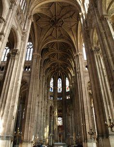 Paris Église Saint-Eustache interior, France