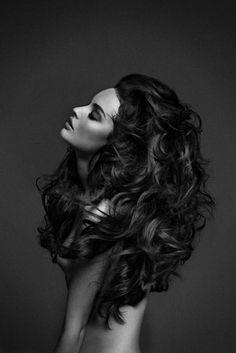 Big brunette hair #volume #curly #bighair