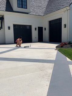 Adding Curb Appeal with a Painted Driveway – Remington Avenue – front yard design modern Concrete Driveway Paint, Concrete Saw, Asphalt Driveway, Concrete Driveways, Painting Concrete, Concrete Patio, Modern Driveway, Driveway Design, Front Yard Design