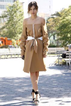 The Best New York Fashion Week Street Style | Trends | Grazia Daily  Who is that girl?