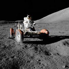 NASA Apollo 17 Lunar Roving Vehicle - NASA - Wikipedia, the free encyclopedia Apollo Space Program, Nasa Space Program, Cosmos, Carl Sagan, Sistema Solar, Programme Apollo, Back To The Moon, Apollo Missions, Moon Missions
