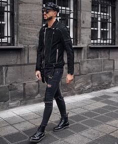 Style by @fio_11_  Via @gentwithstreetstyle  Yes or no?  Follow @mensfashion_guide for dope fashion posts!  #mensguides #mensfashion_guide