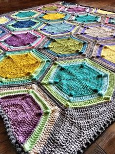 I'm so pleased to bring you all the Moon Landing Blanket free pattern! Named for its resemblance to moon boots and for those outlandish bobbles, Moon Landing is a unique hexagon blanket that … Hexagon Crochet Pattern, Crochet Squares, Free Pattern, Granny Squares, Crochet Granny, Crochet Home, Crochet Gifts, Free Crochet, Crochet Stitch