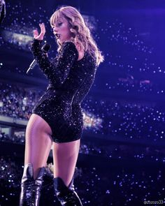 Taylor Swift Legs, Taylor Swift Album, Taylor Swift Style, Taylor Swift Pictures, Taylor Alison Swift, Blond, In Pantyhose, Celebs, Celebrities