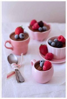 2 ingredient chocOlate mousse with frozen berries