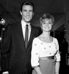 The 1976 murder of Karen Klaas, the ex-wife of Righteous Brothers' singer Bill Medley, has finally been solved Bill Medley, The Righteous Brothers, Rihanna Instagram, Unchained Melody, Cold Case, Ex Wives, Old Pictures, Night Club, Crime