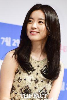 Han Hyo-joo (한효주) - Picture @ HanCinema :: The Korean Movie and Drama Database Korean Actresses, Korean Actors, Korean Beauty, Asian Beauty, Brilliant Legacy, Han Hyo Joo, Lee Jong Suk, Beauty Inside, Beautiful Asian Women