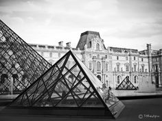 Louvre by Francois Pheulpin