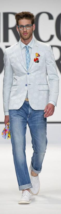 Spring style for men: Enrico Coveri Sharp Dressed Man, Well Dressed Men, Suit Jacket With Jeans, Blazer Jeans, Mens Fashion Blog, Fashion Trends, Men's Fashion, Fashion Clothes, Looks Style
