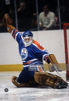 goalie-grant-fuhr-of-the-edmonton-oilers-makes-the-save-during-an-nhl-picture-id114944755 (697×1024) Hockey Gear, Hockey Goalie, Hockey Games, Goalie Mask, Edmonton Oilers, National Hockey League, Nhl, Motorcycle Jacket, Football
