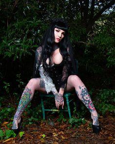 HOLLAND (@november_ravenwood) • Instagram photos and videos Sad Eyes, Gothic Beauty, Holland, November, Punk, Wonder Woman, Superhero, Photo And Video, Videos