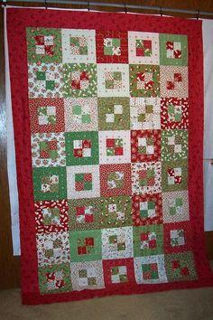 Karen's Dolls and stuff: Christmas quilt
