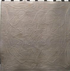 Gorgeous wholecloth by Donna James - - bad picture, gorgeous design Longarm Quilting, Free Motion Quilting, Hand Quilting, Machine Quilting Designs, Quilting Ideas, Whole Cloth Quilts, Bad Picture, Christmas Graphics, Felt Art