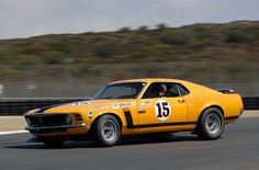 Parnelli Jones Could Race Anything. American racing history is filled with all sorts of talented people. Few are as talented as Parnelli Jones. Mustang Boss 302, 1970 Ford Mustang, Shelby Mustang, Ford Mustangs, Parnelli Jones, Mercury Marauder, Classic Race Cars, Classic Mustang, American Racing