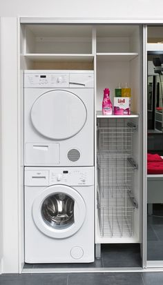 Pyykkikaappi Laundry Cupboard, Laundry Nook, Laundry Room Layouts, Laundry Room Remodel, Laundry Room Cabinets, Laundry Room Bathroom, Small Laundry Rooms, Laundry Closet, Laundry Room Organization