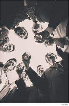 Must-have groomsmen picture with pre-wedding beer | Knoxville Wedding