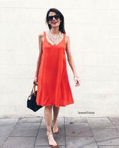 Sabías que el color rojo es el más atractivo de todos y el que aporta más seguridad? #rojosexy _____________  Did you know that red is de more attractive color and the one that adds more security to yourself? #sexyred . . . . #ootd #otd #outfit #cool #whitewall #zoom  #hm #style #iger #igerbcn #styleamazone